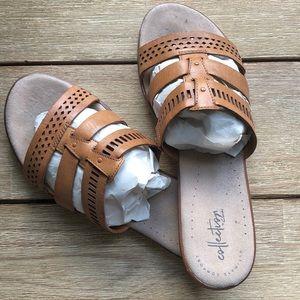 EUC Clark's Kele comfort slide sandal - so comfy!